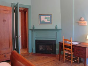 Library Room Miiler Inn - 3